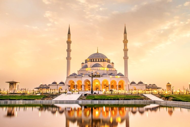 Sharjah Mosque - An abiding symbol of Faith