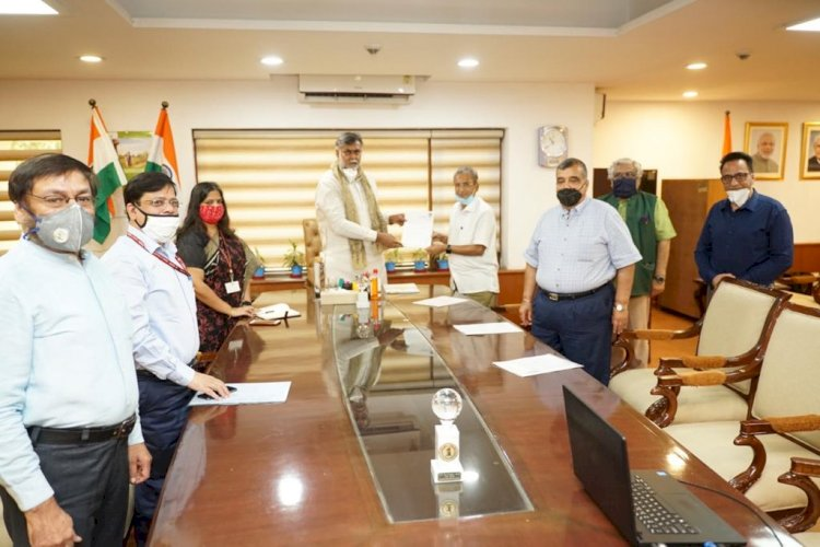 ADTOI President alongwith heads of IATO, ATOAI AND OTOAI meets Hon'ble Tourism Minister Shri Prahlad Singh Patel