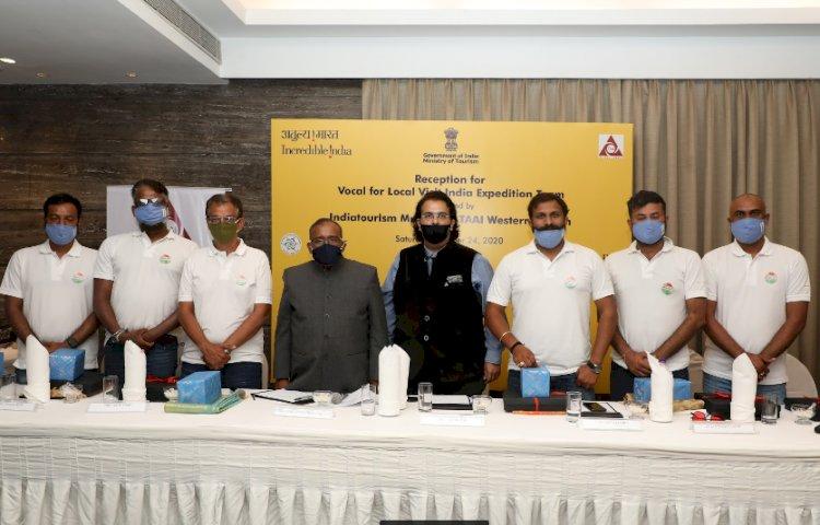Indiatourism Mumbai felicitates 'Vocal for Local Expedition Team'
