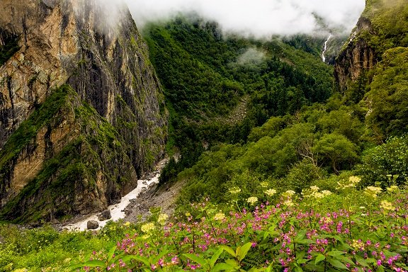 Famous spots in Uttarakhand open up for tourists